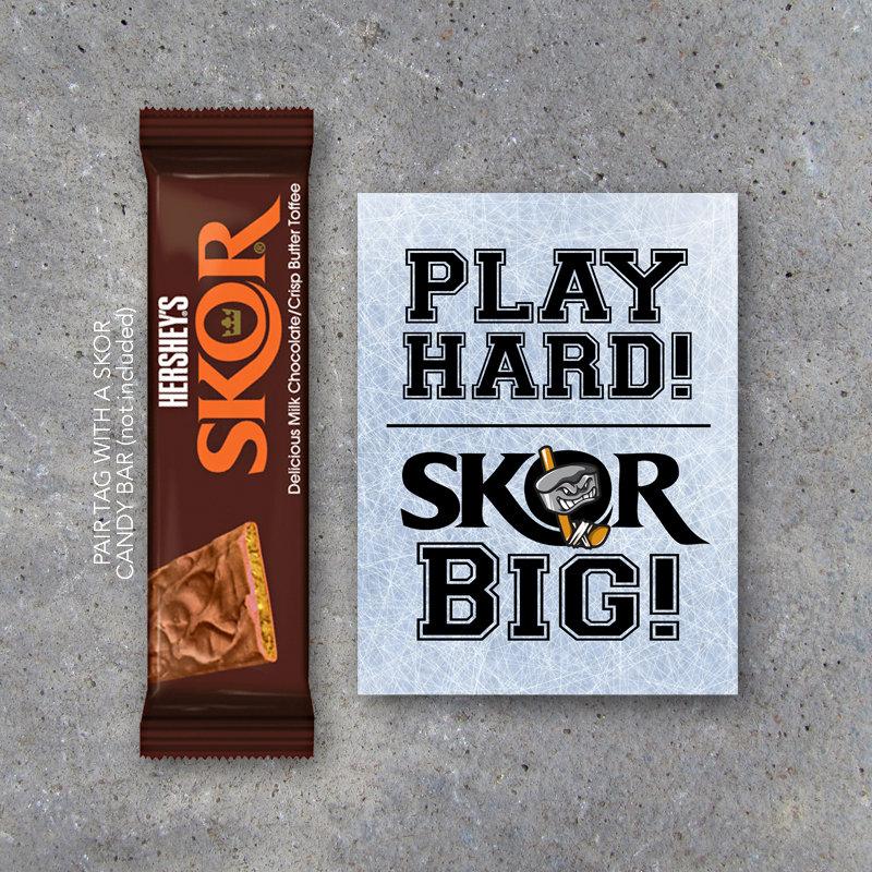 Hockey SKOR BIG Tags – Printable Sports Tags for Ice Hockey Game Day Locker Treats – Good Luck Tags Play Hard! Skor Big! Ice Hockey Gift